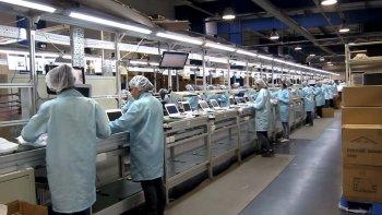 La eliminación de aranceles en la importación de computadoras, que entrará en vigencia el 31 de marzo, ya está afectando a las fábricas de esos productos en Tierra del Fuego.