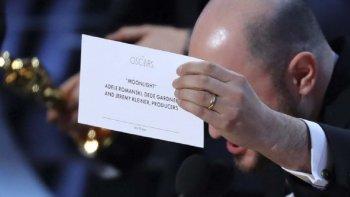El productor de La La Land muestra que la verdadera ganadora es la película Moonlight.