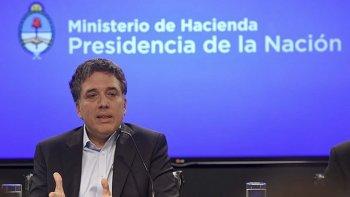 En medio de cierres, despidos y suspensiones, el ministro Dujovne afirmó que ya no hay recesión.