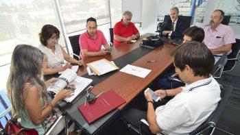 Tres empresas licitaron por la compra de los camiones 4x2 que adquirirá Vialidad Provincial.
