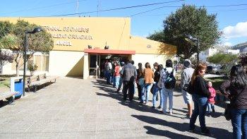 En los primeros días de atención las filas llegaron al exterior del edificio de la terminal de larga distancia.