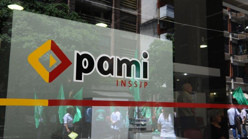 A la deuda de PAMI se suma la rescisión del convenio