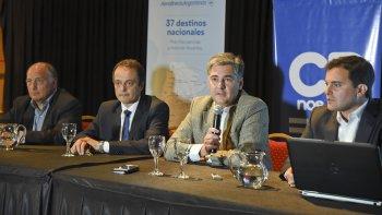 Aerolíneas Argentinas presentó el nuevo hub de distribución de vuelos que tendrá epicentro en Córdoba para conectar al norte y sur del país. El acto contó con la presencia del secretario de Gobierno, Máximo Naumann.