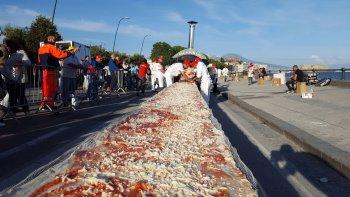 Harán una pizza de 30 metros para unir Chubut con Río Negro