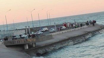 Encontraron un cadáver en el acceso al camino costero