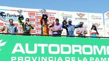 El podio de la Clase 3 del TN donde el vencedor fue Jonatan Castellano.