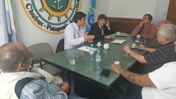 En Comodoro el secretario de Pesca, Adrián Awstin, mantuvo una mesa de trabajo con diferentes empresarios del sector.