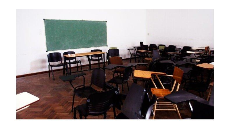 Este lunes no hay clases en provincia pero se reúnen sindicatos y Gobierno