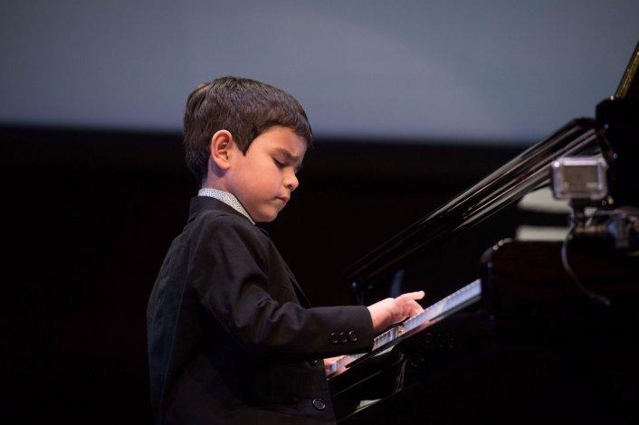 El pequeño músico comodorense que quiere tocar en Iguazú