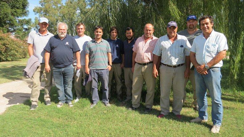 Los ingenieros agrónomos del INTA Chubut