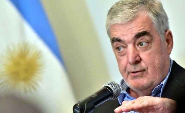 Mario Das Neves entregó ayer aportes a dos localidades de Chubut.