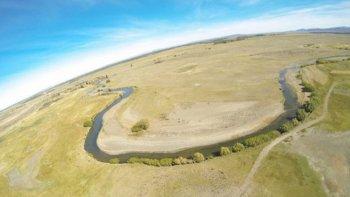 por la sequia en el lago musters cerraran canales de riego a productores