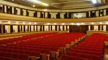 vuelve el cine solidario y manana habra una reunion informativa