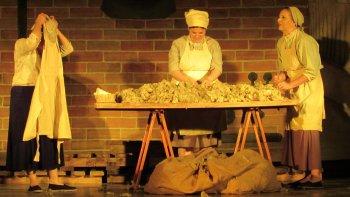 En el recuperado Teatro de Astra esta noche comienza el festival provincial. Será con Las Obreras del grupo Joiuen de Rada Tilly.
