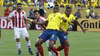 Ecuador visita a Paraguay que sigue fuera de la zona de clasificación.
