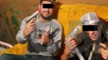 una mujer rescato a su hermano de la droga y narcos le balean la casa