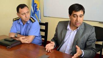 El ministro de Gobierno, Pablo Durán, y el jefe de Policía, Luis Avilés, visitaron ayer Comodoro Rivadavia y anunciaron diversas medidas.