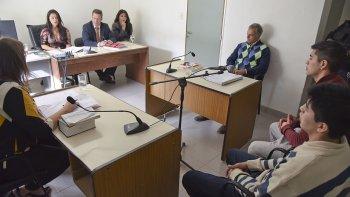 Tres jueces decidieron que los hermanos Llantén sigan presos. Antes, Miguel Caviglia les había concedido arresto domiciliario, a pedido del abogado Guillermo Iglesias.