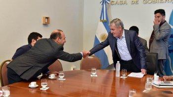 El gobernador Mario Das Neves firmó un acuerdo con La Anónima que favorece a los beneficiarios de la Tarjeta Social