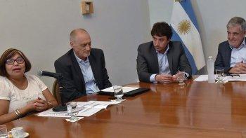 El gobernador Mario Das Neves encabezó ayer la apertura de licitación para la obra de ampliación del jardín de infantes 488 del Pueyrredón.