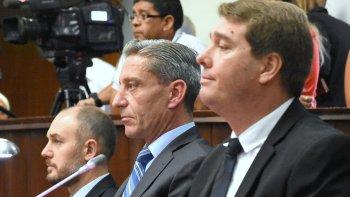 Arcioni tomó ayer juramento y puso en funciones a los nuevos secretarios de la Cámara, Martín Sterner y Damián Biss.
