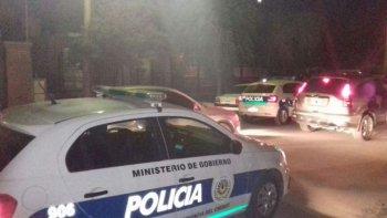 la policia encontro cerca de 50 chicos alcoholizados en una fiesta