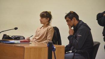 Damián Mesa aún con el rostro y cabeza lastimados fue imputado de tentativa de robo y luego dejado en libertad.