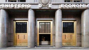 El Ministerio de Hacienda informó sobre el déficit en las cuentas públicas.
