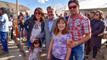 Das Neves ayer entregó viviendas en El Maitén y al realizar declaraciones pidió la renuncia del ministro de Energía de la Nación, Juan José Aranguren.