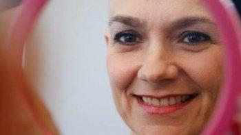 un taller de maquillaje para hacerle frente al cancer
