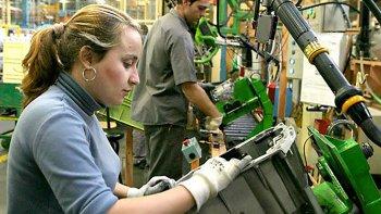 Persiste una importante brecha salarial entre hombres y mujeres.