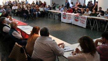 La Convención Provincial de la UCR emitió en Río Gallegos una declaración con fuertes críticas al partido gobernante.