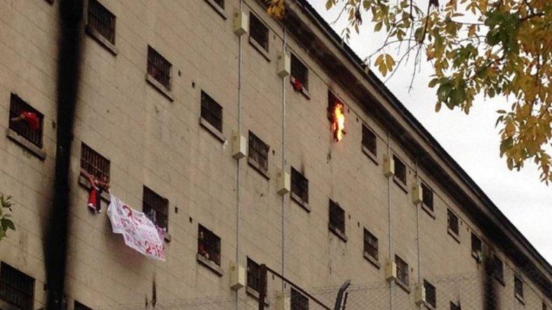 Presos iniciaron una huelga de hambre en la cárcel de Devoto