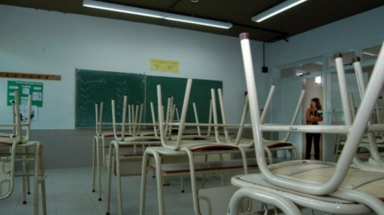 Por falta de agua suspenden las clases en el Valle