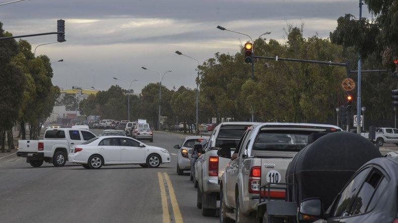 Embotellamientos por trabajos en ruta- Fotos: Mauricio Macretti/El Patagónico