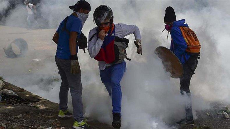 Máxima tensión en Venezuela por represión a marcha opositora.