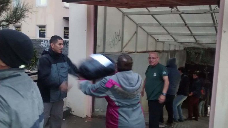 El Centro de Empleados de Comercio asiste a 400 familias damnificadas por el temporal