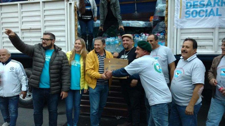 A través de un festival solidario se recolectaron en Córdoba donaciones para los damnificados de Comodoro Rivadavia.