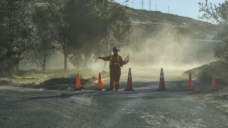 El camino Roque González fue cerrado definitivamente debido a que la carpeta asfáltica cedió en un extenso sector.