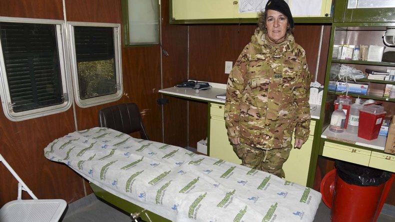 La coronel Adriana Roselló explicó cómo se trabaja en el Puesto Principal de Socorro del Ejército Argentino.