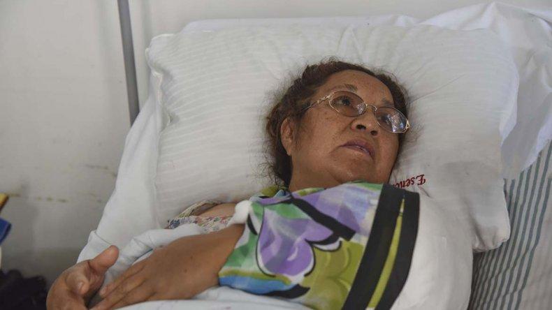 María Ester ayer quedó nuevamente internada en el Hospital Regional ya que le aplicarán injertos el brazo izquierdo.