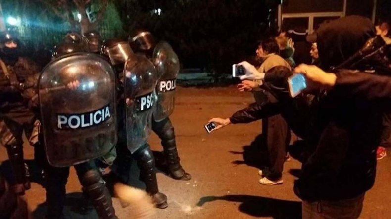 Los manifestantes desafiaron a la infantería policial