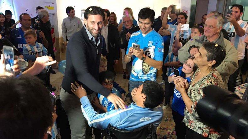 La histórica visita de Diego Milito provocó emoción y altas demostraciones de afecto hacia el ídolo de Racing.