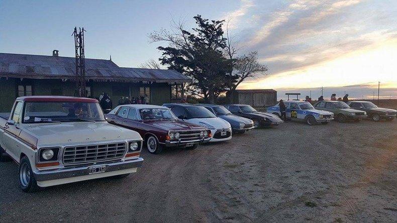 Los autos clásicos unieron Las Heras con Fitz Roy