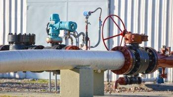 el 2 de mayo se firmara el compromiso de inversion  con operadoras petroleras