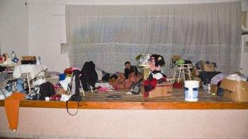 evacuados del barrio laprida piden respuestas