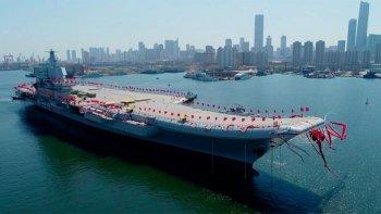 china presento su primer portaaviones