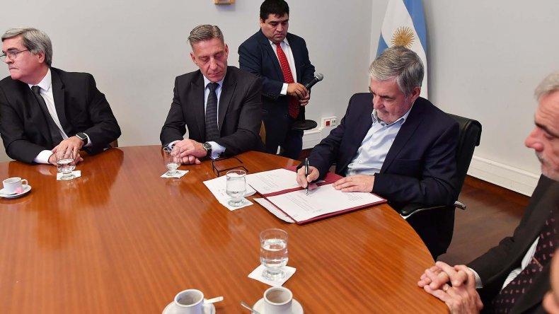 Das Neves presentó y firmó el proyecto de Ley de Juicio por Jurados