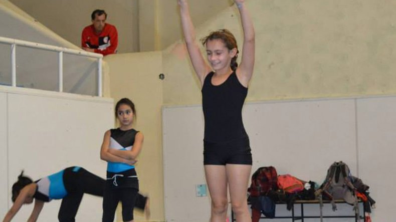 La gimnasia artística es una de las disciplinas que engloban al campeonato.