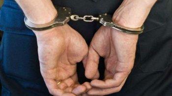 policia detenido por negarse a pagar la cuenta